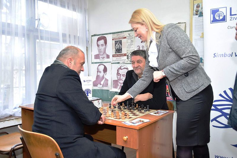 Dobrila Otovic izvrsni direktor Lo zivotnih osiguranja povlaci pravi potez